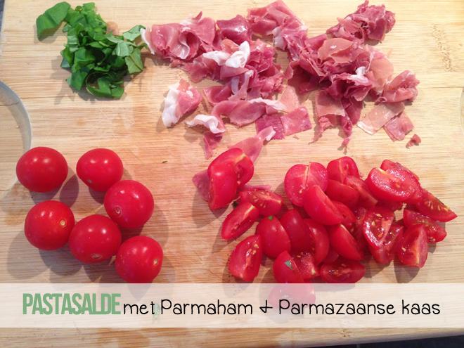 Pastasalade met Parmaham en Parmazaanse kaas