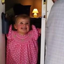 Hartverwarmend: vader verrast dochter