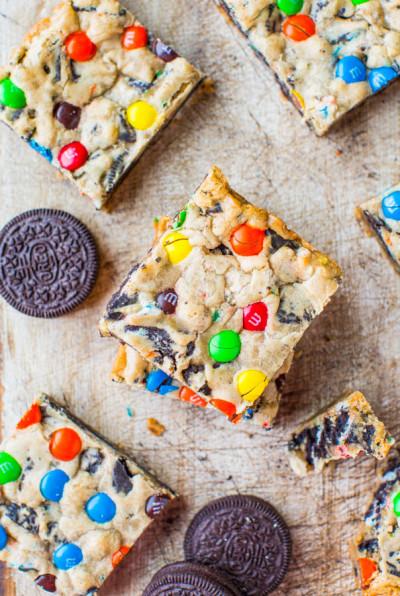 m&m oreo cookie bars - koekjes bakken met de kids