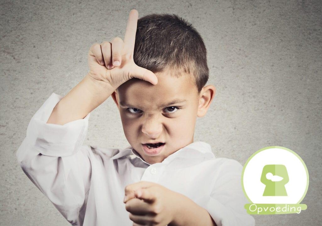 10 situaties waarin kinderen zich als kleine 'eikeltjes' gedragen (en mama het SPAANS benauwd krijgt)