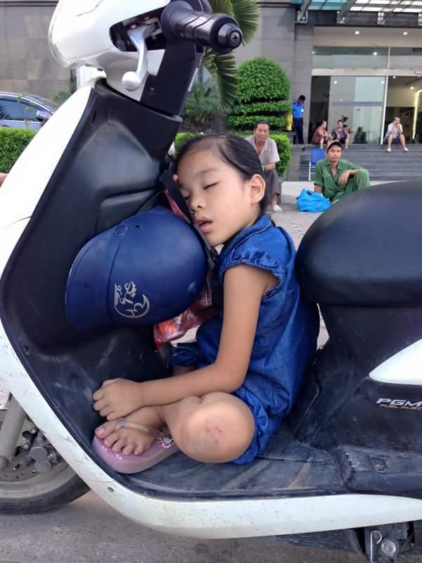 slapen-op-de-scooter