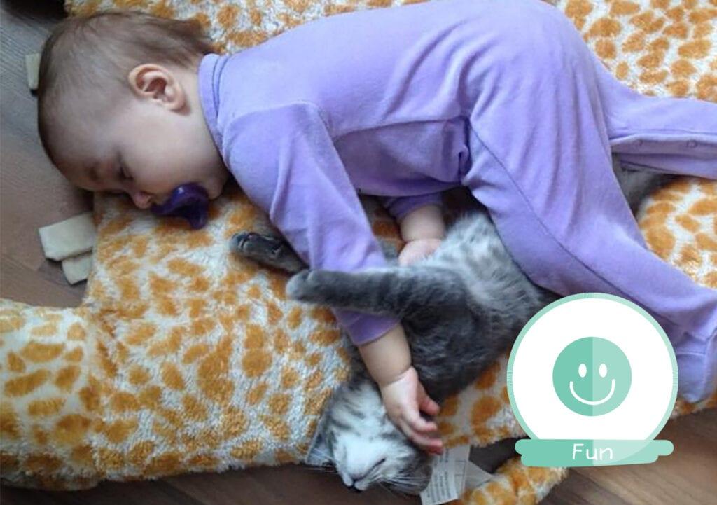 Hier het bewijs dat kinderen overal kunnen slapen…