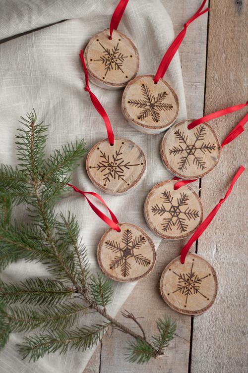 Kerstballen van hout