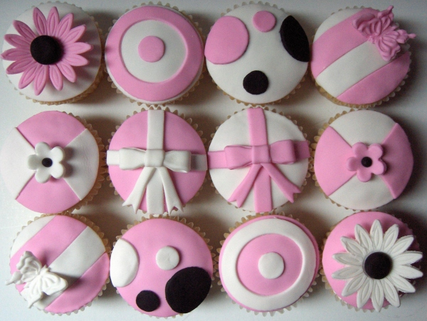 Cupcakes met laagje fondant