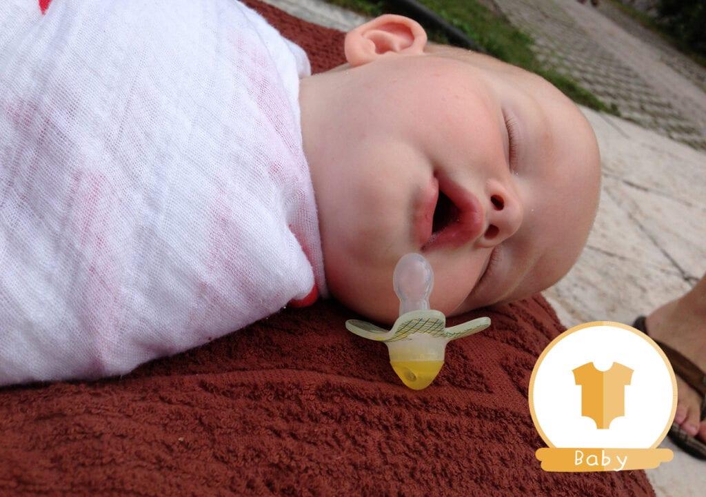 4 tips om een huilende baby te kalmeren