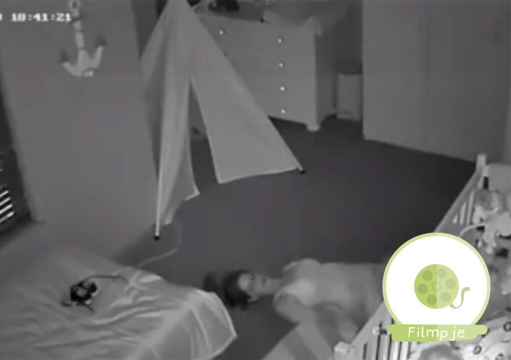 Video van mama die uit kind zijn kamertje 'tijgert' gaat viral