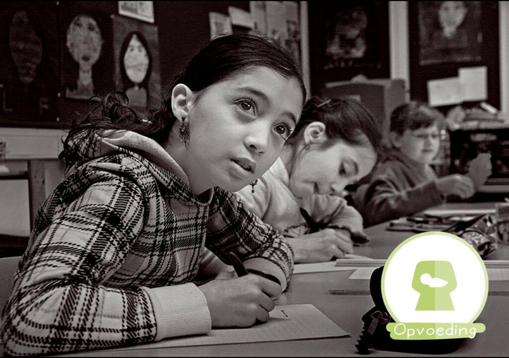 Opvoeden: thuis of in de klas?
