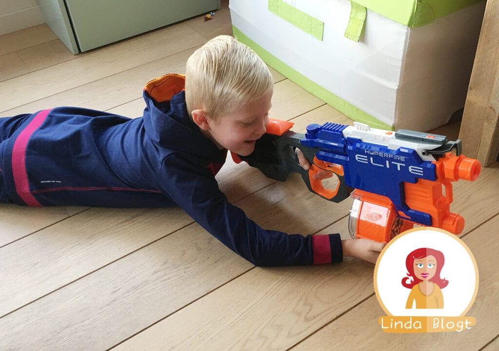 Pistolen komen mijn huis niet in! Of toch wel…?
