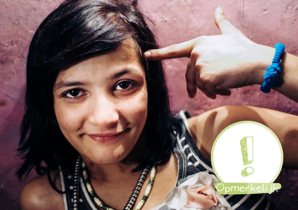 Aangrijpend! Het verhaal en de foto's van het meisje die in tunnels leefde