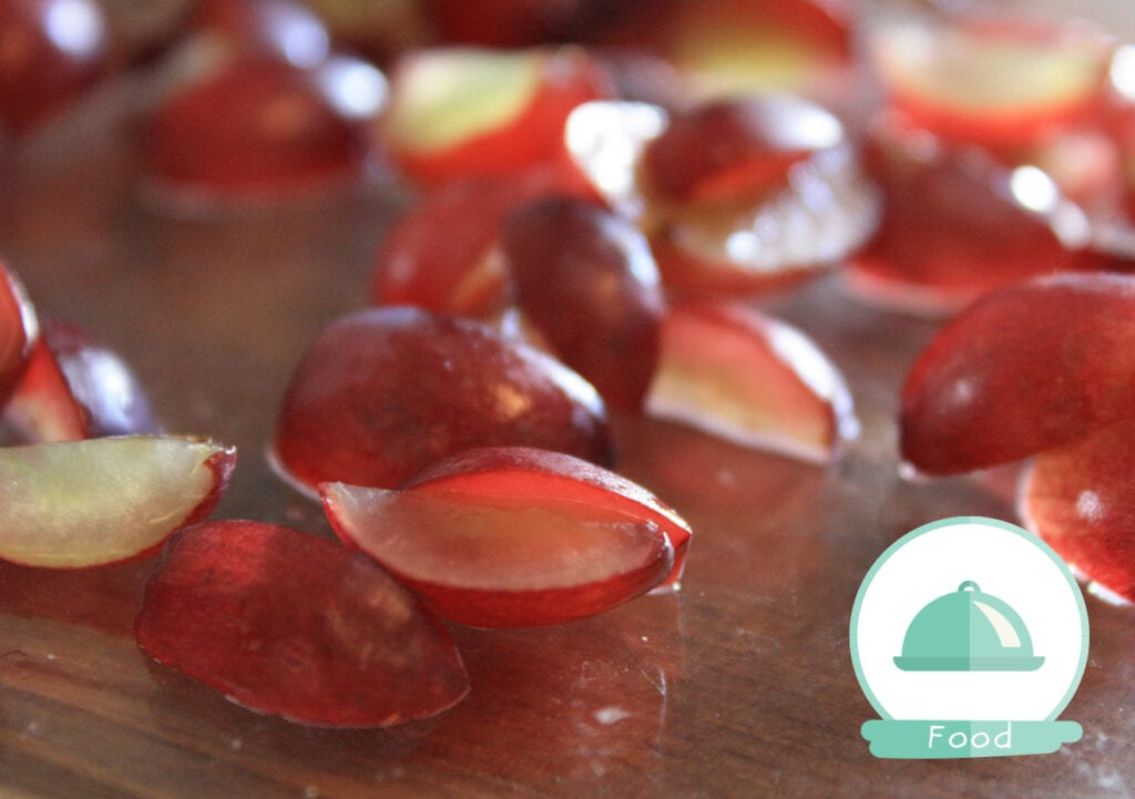 Let op! Zo snijd je je druiven het best voor je kind