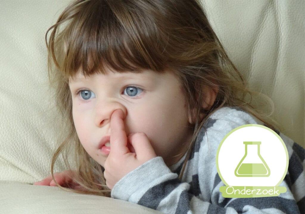 Laat je kind lekker neuspeuteren en de rubberboten opeten!