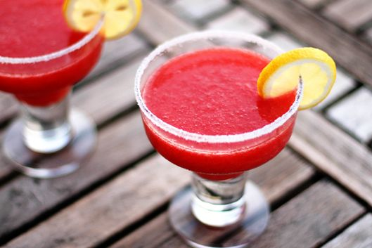 mocktail strawberry daiquiry