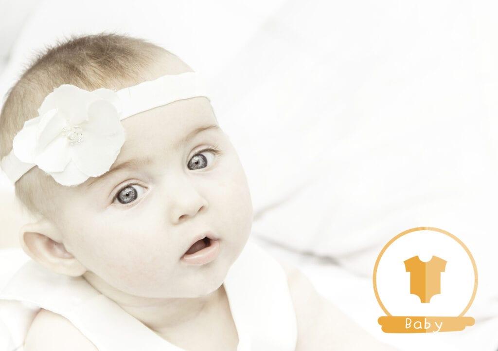 Moeder geeft haar baby een 'wangpiercing' en dit is waarom…