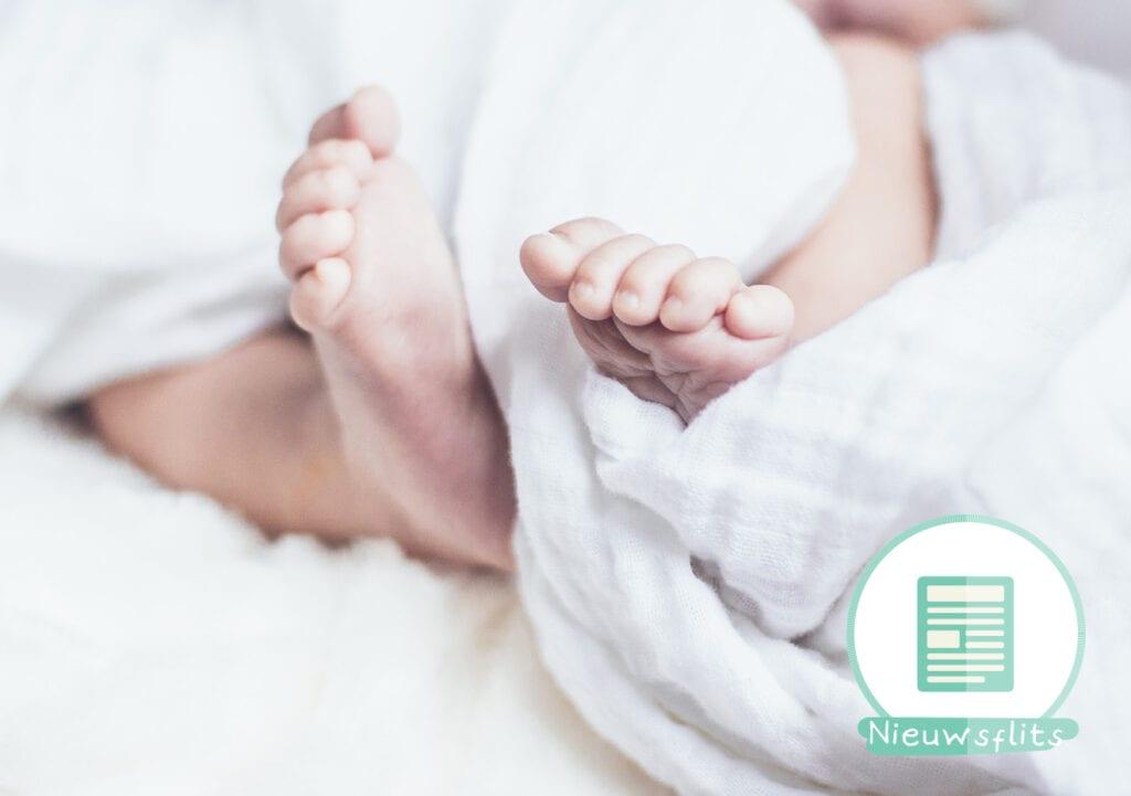 Moeder waarschuwt: geef je baby geen dekentje!
