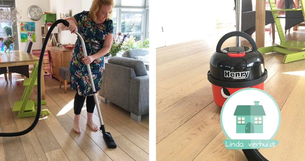 Een schone vloer met hulp van Henry (+ winactie)