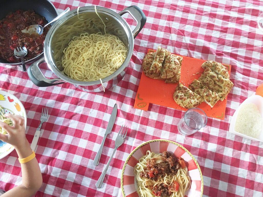 Love2BeMama Weekmenu 1: koken uit de voorraadkast + stevige kost