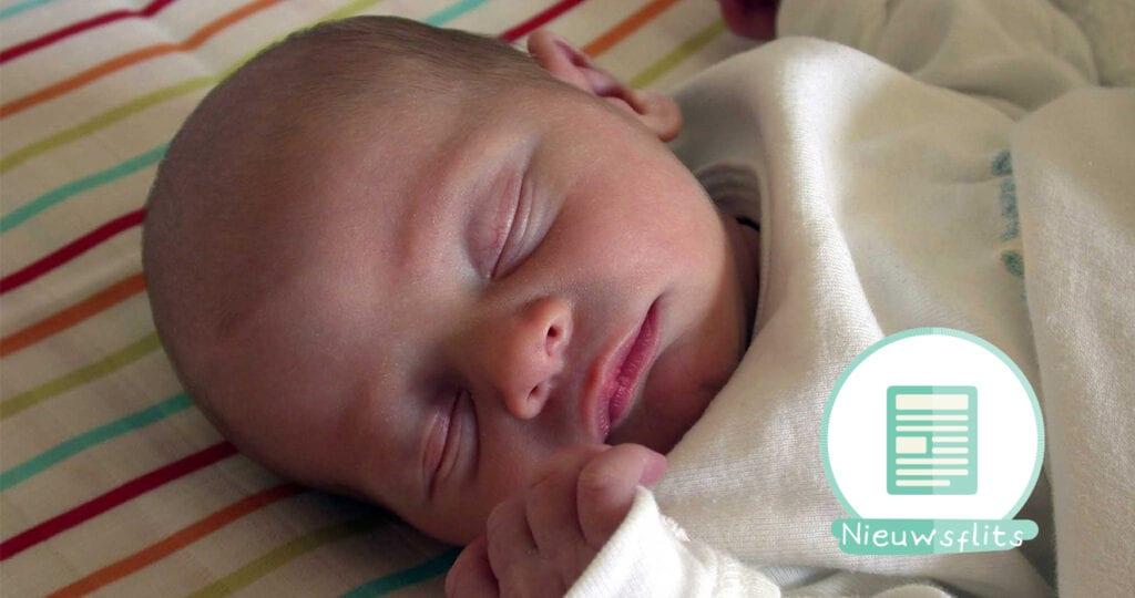 Bizar: verloskundige helpt vrouw met bevallen tijdens eigen bevalling!