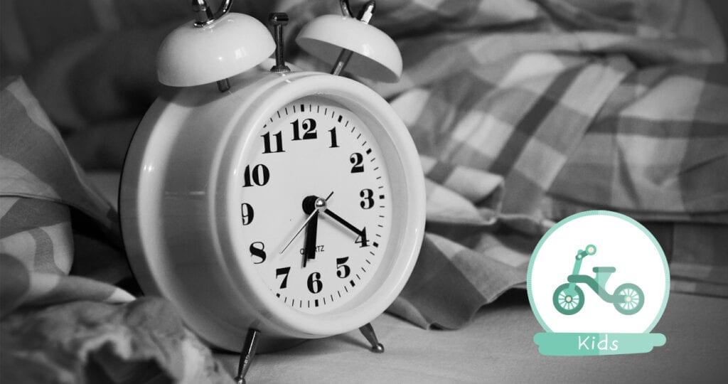 Laat je je kids wennen aan het vroege opstaan voor school of juist niet?