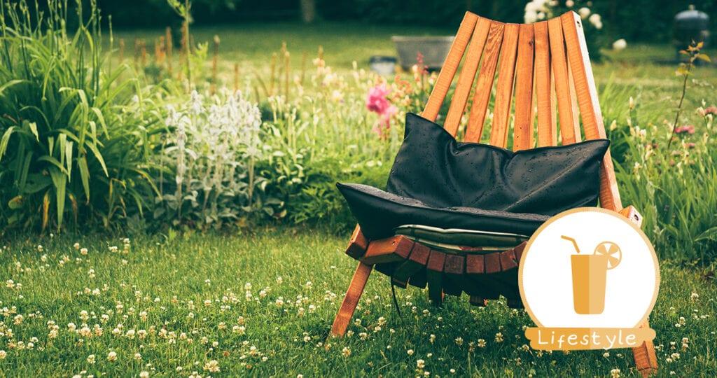 Lekker met de kleine in de tuin, ook met dit warme weer