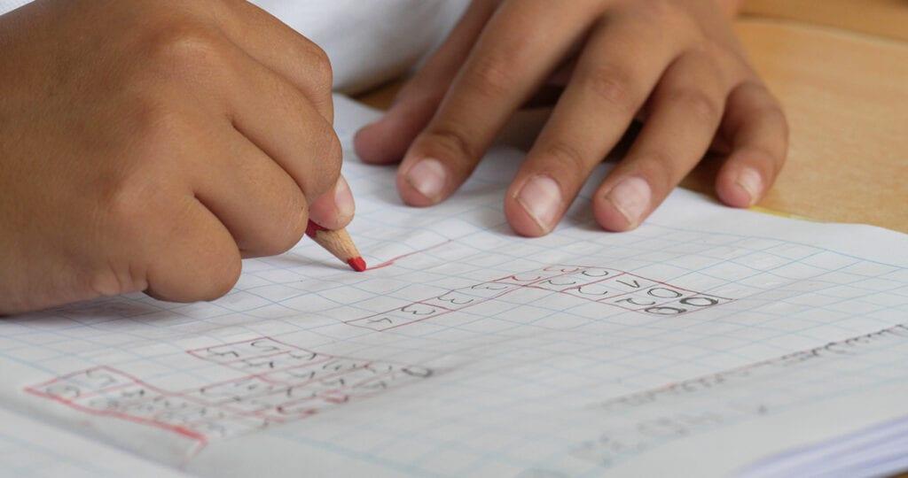 Door het lerarentekort moet de eerste basisschool sluiten