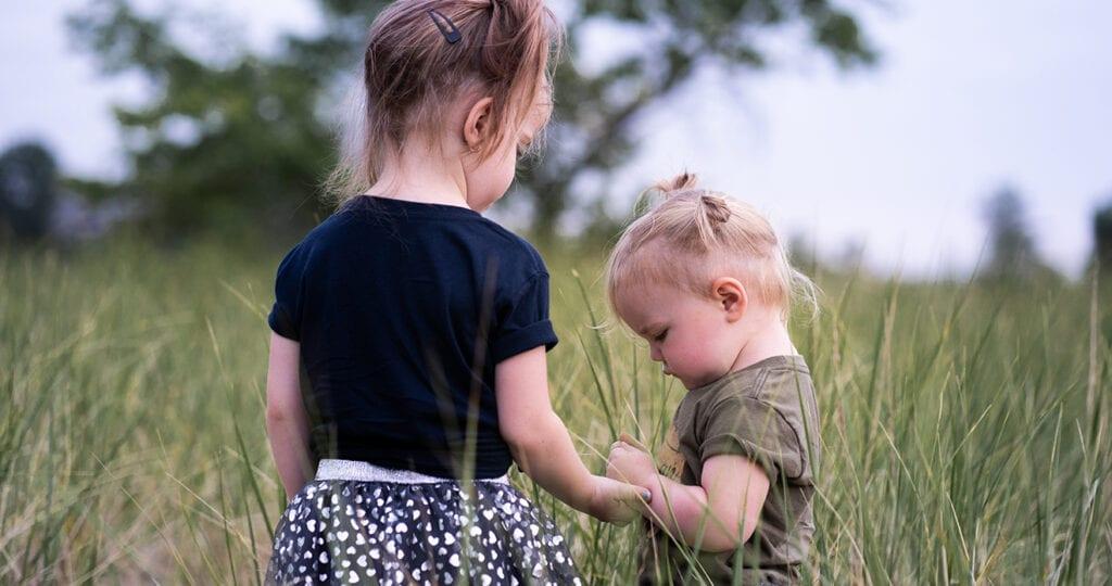 Het hebben van een zus is goed voor je geestelijke gezondheid