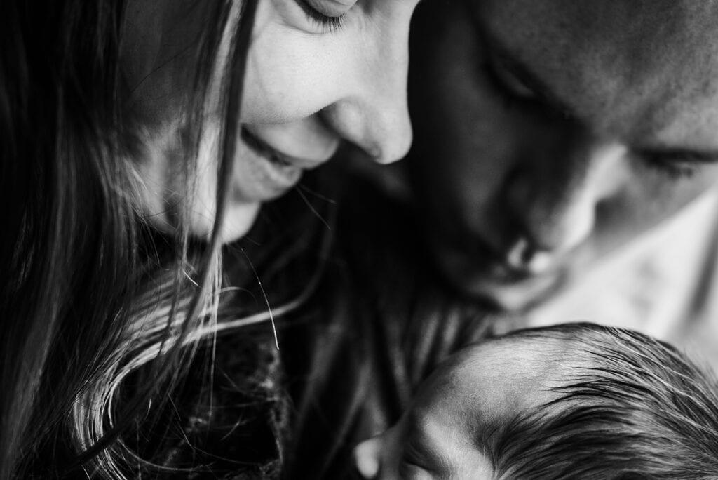 Onderzoek: ouders met jonge kinderen slapen weinig