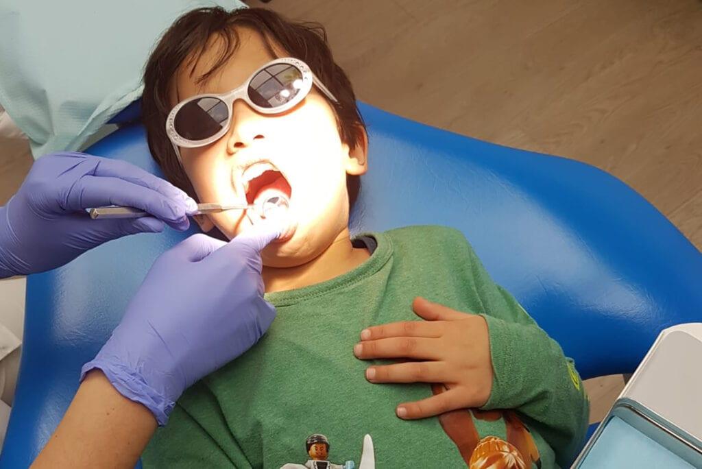 Waarom kinderen naar de tandarts moeten (+ 5 tips van een moeder)