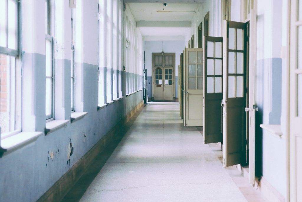 Crisisoverleg: schoolleiders willen scholen dicht