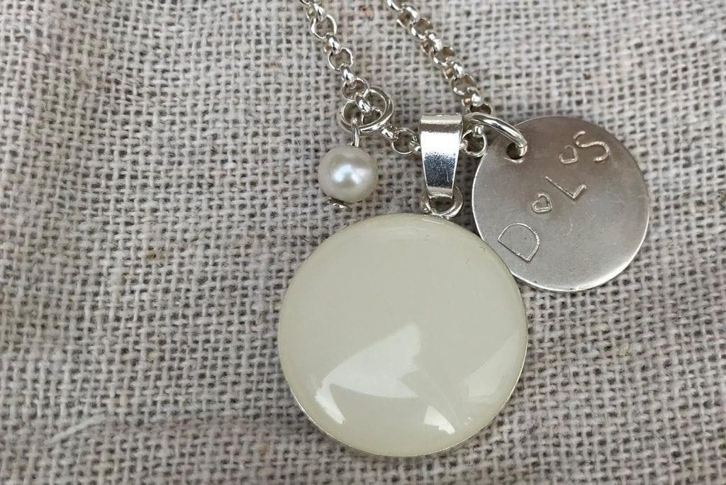 Moedermelk sieraad cadeau: een symbool voor mijzelf