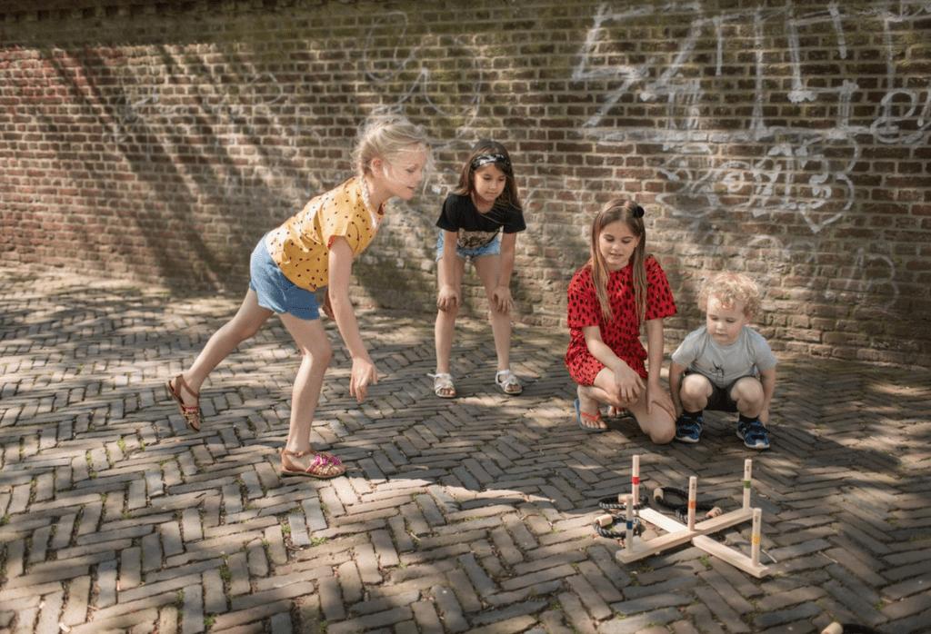 Buitenspeelgoed 10 jaar - ringwerpen