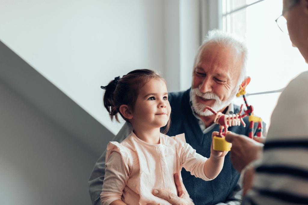 Grootouders oppassen in coronatijd: ze zijn er klaar mee!