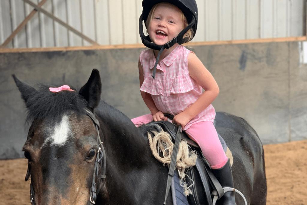 8x waarom paardrijden goed is voor kinderen