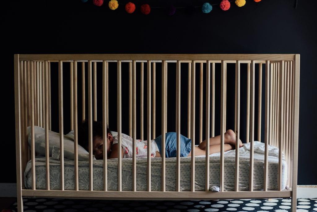 Is het schadelijk om seks te hebben, terwijl de baby in dezelfde kamer slaapt?