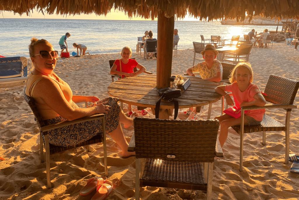Uit eten op Curacao